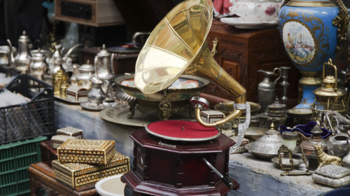 5 Places to Go in Las Vegas if You Love Antiques